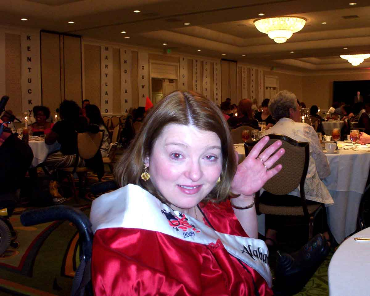 Amanda Putman McBay having dinner at Ms. Wheelchair America Pageant